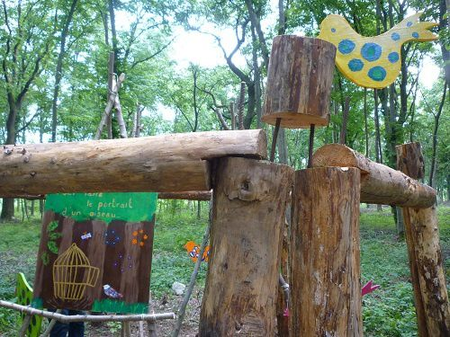 Notre oeuvre collective dans les bois (2)