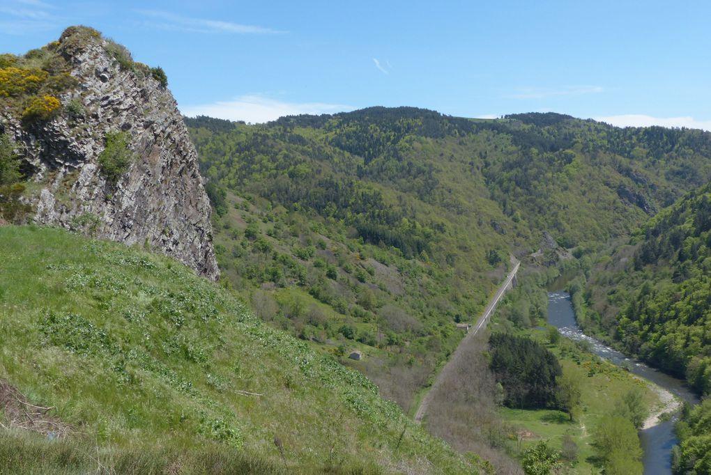 point de vue sur l'Allier et la ligne des Cevennes