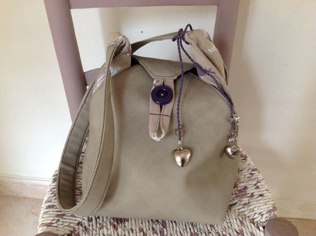 Sac berlingot en simili cuir