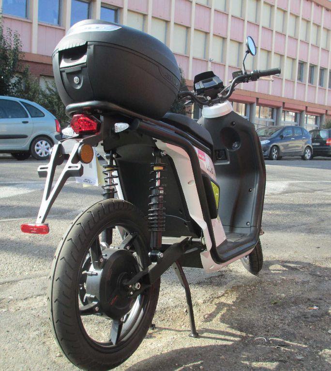 Scooter MIUS Electrique : Voyez la ville autrement !