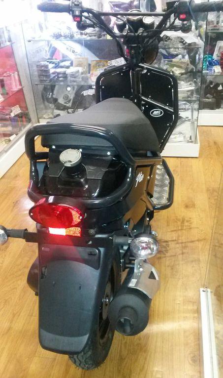 IMF Ptio 50 : Le scooter de demain entièrement personnalisable !