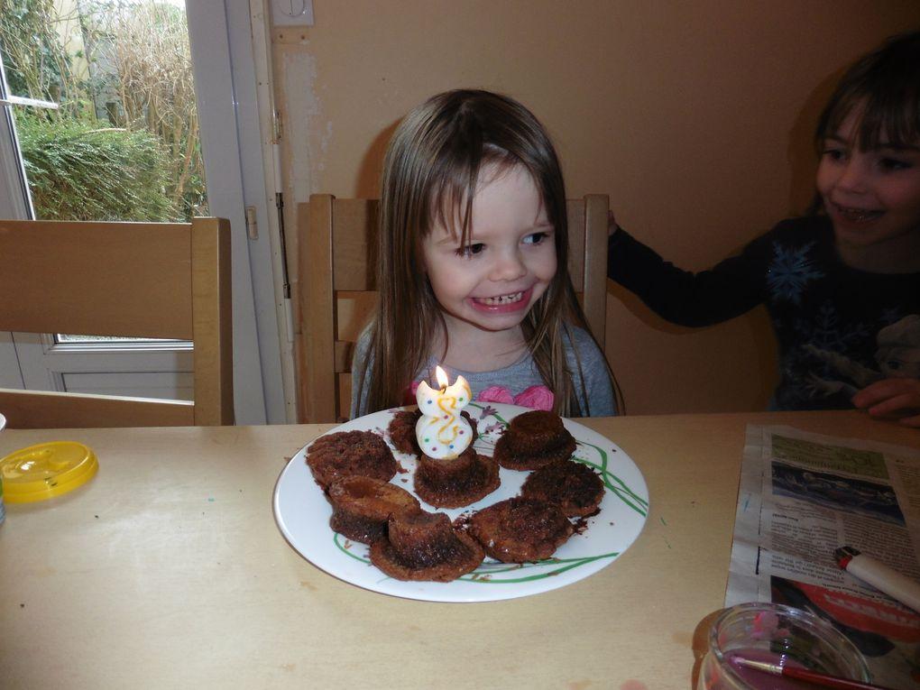 Préparer un gâteau de non-anniversaire pour les 3 ans 1/2 de Wallen car c'était très important - vous n'aurez sans doute pas loupé le regard noir de ma dernière qui a du capituler pour partager la préparation ! je vous rassure ça n'a pas duré longtemps &#x3B;) mais ça en dit long n'est-ce pas !
