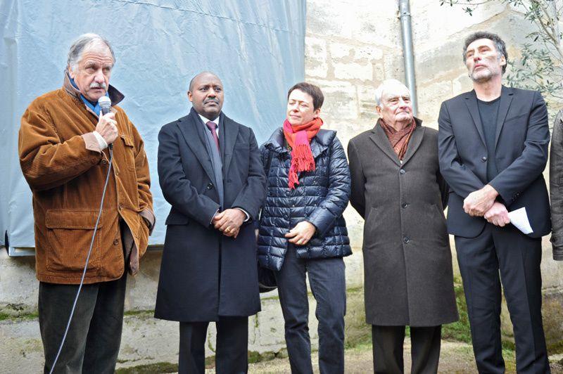 """Inauguration de l'Homme debout: """"Oublier, c'est disparaître"""", le 30 novembre 2013, à Bègles"""