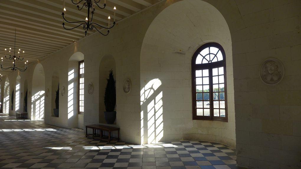 Intérieurs et autres vues du château