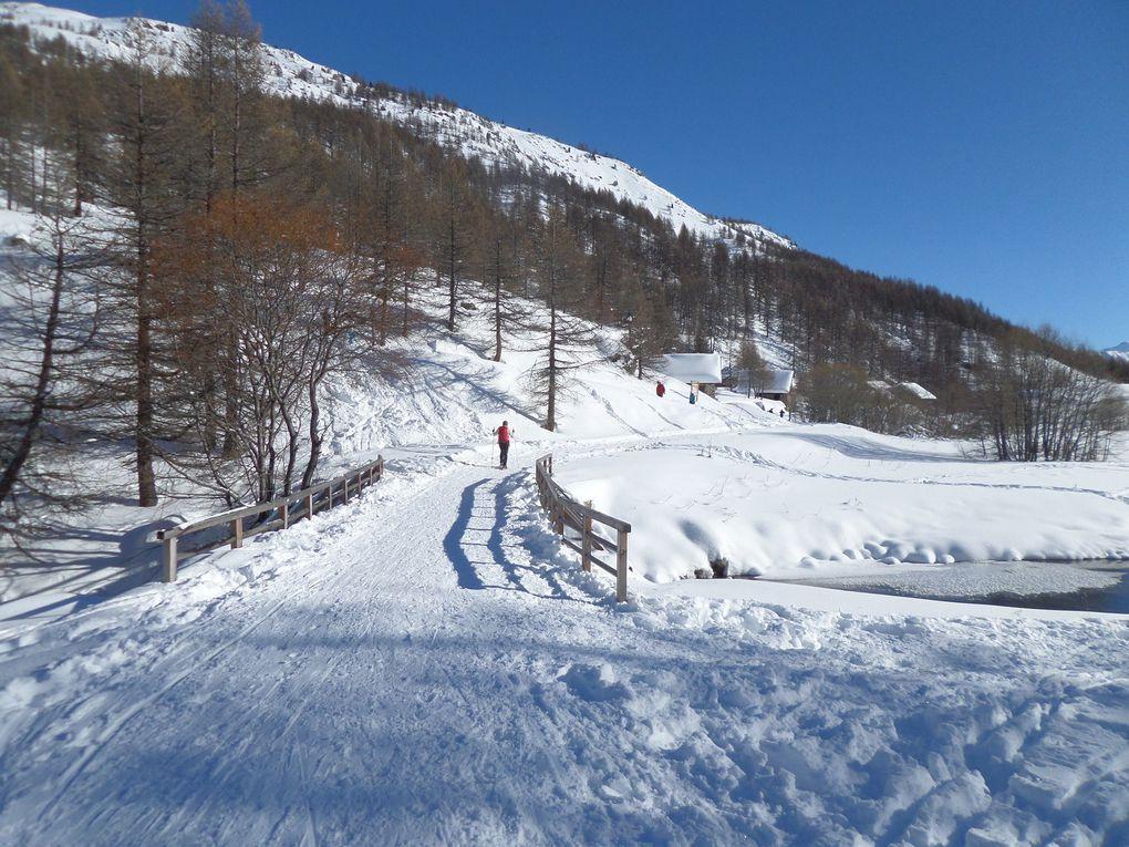 La Haute Vallée de la Clarée est sans doute un des plus beaux site nordique des Alpes !! une vraie merveille !!  Névache (1600m) / Le Roubion / Refuge Buffère (2076m) / Pont de la Souchère (1813m) / Refuge du Chardonnet (2223m) / Fontcouverte (1850m) / Refuge Ricou (2115m) / Chalets de Laval / Refuge de Laval (2030m) / Refuge des Drayères (2180m)