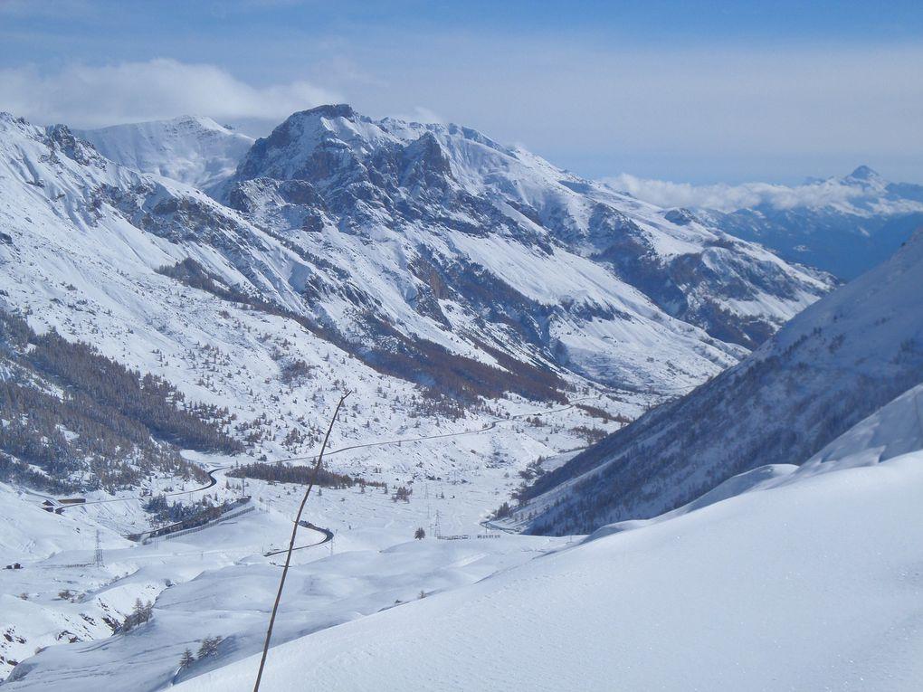 départ du Col du Lautaret (2058m), montée à ski de fond (avec peaux) vers le Col du Galibier jusqu'au Pont de Roche Noire (2346m) ! superbe début de la saison de ski nordique le 06/11/14 !!