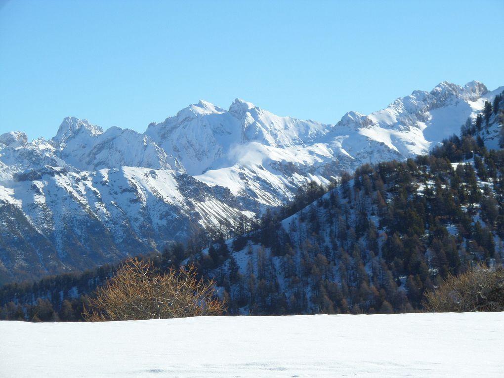 départ de Risoul (1850m) , montée à ski de fond (avec peaux) jusqu'au Col de Valbelle (2381m) puis jusqu'au sommet de Peyrefolle (2457m) ! superbe !!