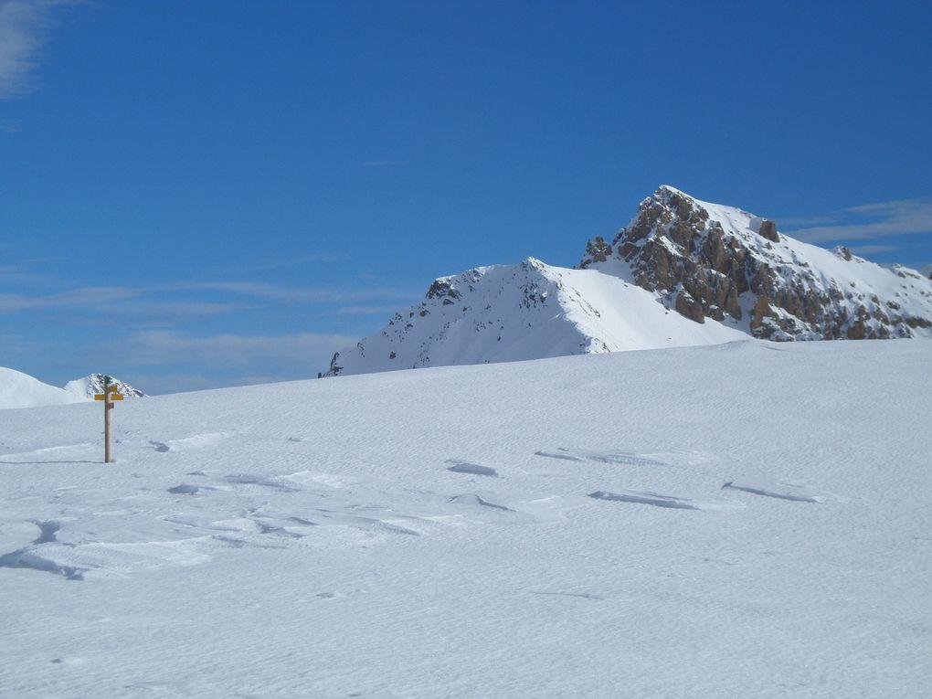 départ de St Joseph (2170m) montée à ski de fond (avec peaux) au Col du Granon (2413m) puis poursuite jusqu'au Col de l'Oule (2546m) , et au retour petite pause près de la buvette du Col du Granon !! un bel itinéraire nordique !!