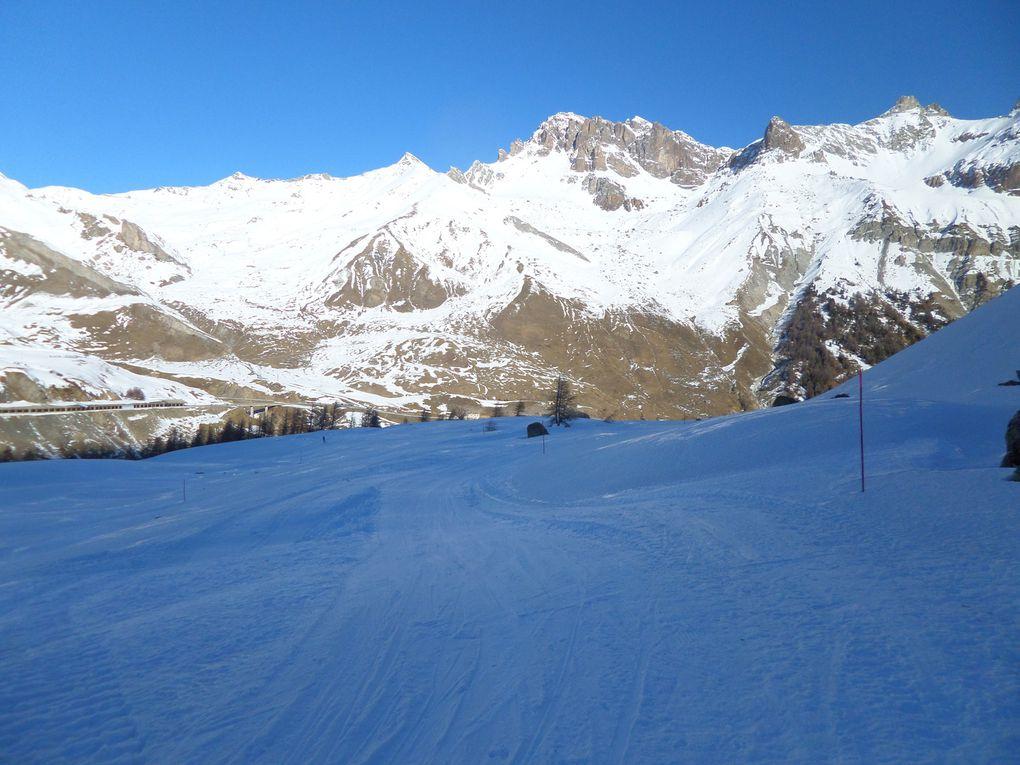 départ du Col du Lautaret (2060m) ,ski de fond sur boucle damée 4km puis montée à ski de fond sur l'itinéraire du Col du Galibier !! la neige est encore bonne !!