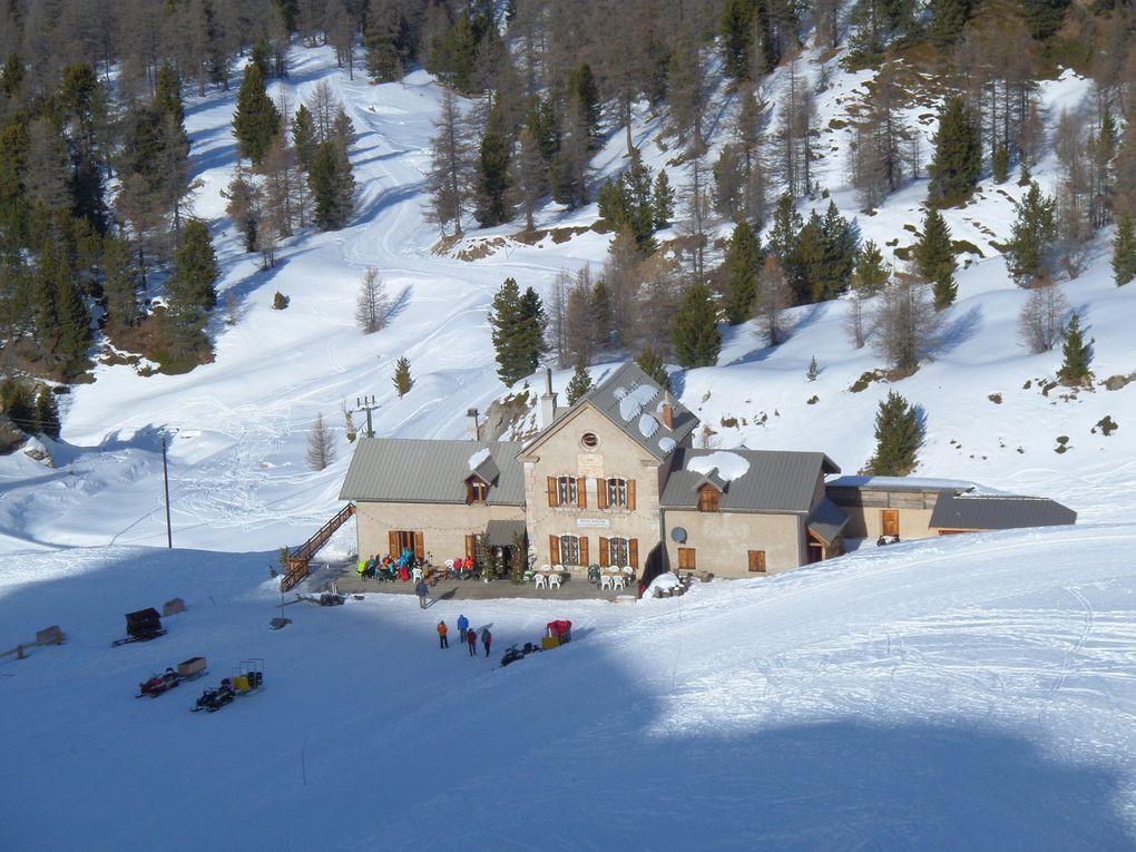 départ du Laus (1750m) et montée à ski de fond le 03/01 au Col d'Izoard (2360m) !! soleil, douceur et pas un soufle de vent !!