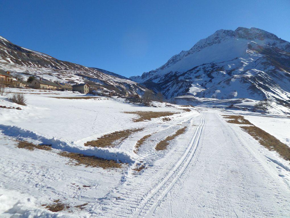 ski de fond à Pont d'Arsine (1667m) sur le site nordique de Villar d'Arène dans un cadre splendide au pied de la Meige !!
