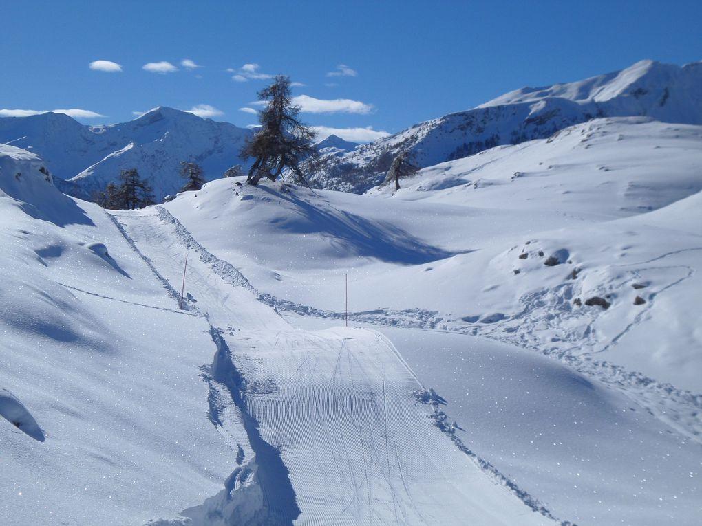 départ de Prey d'Aval (1540m) , près de Puy Saint Vincent, et montée à ski de fond au Col de la Pousterle (1763m) puis jusqu'au Belvédère des Grandes Tètes (2044m) en faisant le tour des Grandes Tètes !! excellente neige !! un vrai régal !!