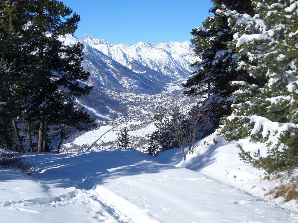départ de la Fontaine de l'Ours (1400m) et montée à ski de fond (avec 1/4 de peaux) au Hameau de Serre Lan (1850m) puis jusqu'à la Croix de Toulouse (1975m) qui domine la ville de Briancon !! magnifique journée au soleil des Alpes du Sud !!
