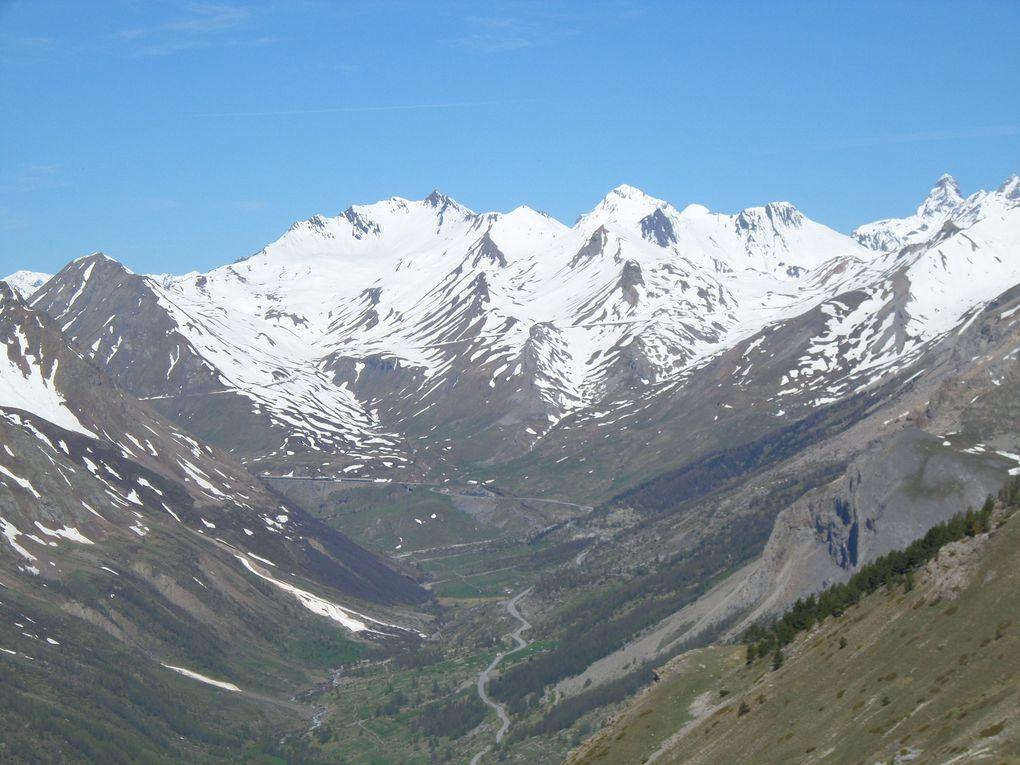 départ de Monétier (1580m) et montée au sommet de Roche Chevalier (2320m) avec des vues sur  le Col du Galibier, la Montagne des Agneaux , le Pic de neige Cordier et l'Aiguillette du Lauzet !! beau Belvédère sur la vallée de la Guisane !!