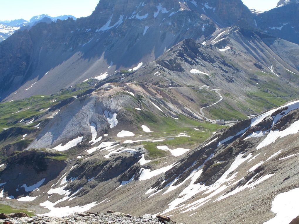 départ de la route du Galibier (2420m) et montée au Pic Blanc du Galibier (2955m) avec vue sur la Barre des Ecrins, la Meige et le Mont Blanc !! superbe !!