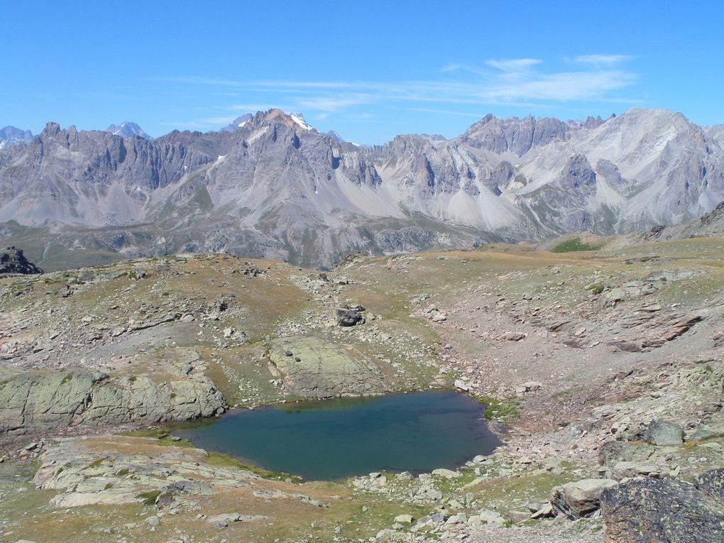 départ de Fontcouverte (1853m) et montée au Refuge Ricou puis aux Lacs Laramon et Serpent , puis montée jusqu'au sommet du Pic du Lac Blanc (2980m) !! superbe vue sur le massif des Ecrins, le Thabor, le Mont Blanc et une multitude de Lacs !!