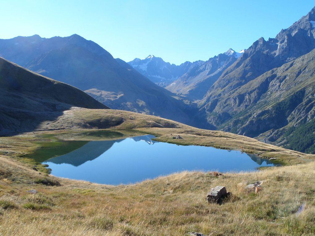 départ de la route des Cours (1850m) et montée au Lac du Pontet (1982m) puis montée sur la Crète de Golèfre (2250m) et enfn jusqu'au sommet de l'Aiguillon (2095m) !! un régal !!