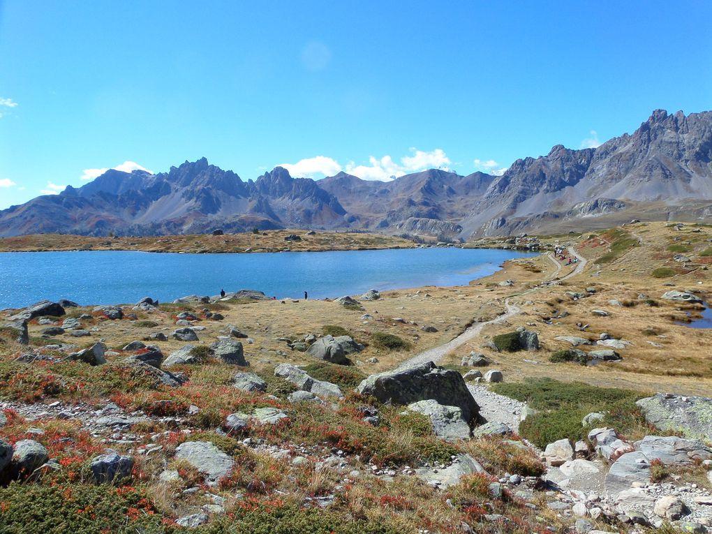 départ de Fontcouverte (1853m) et montée au Lac Laramon , puis au Pic des Lacs (2613m) puis montée aux Lacs des Gardioles (2700m) puis redescente sur le Lac Serpent !! une merveille !!