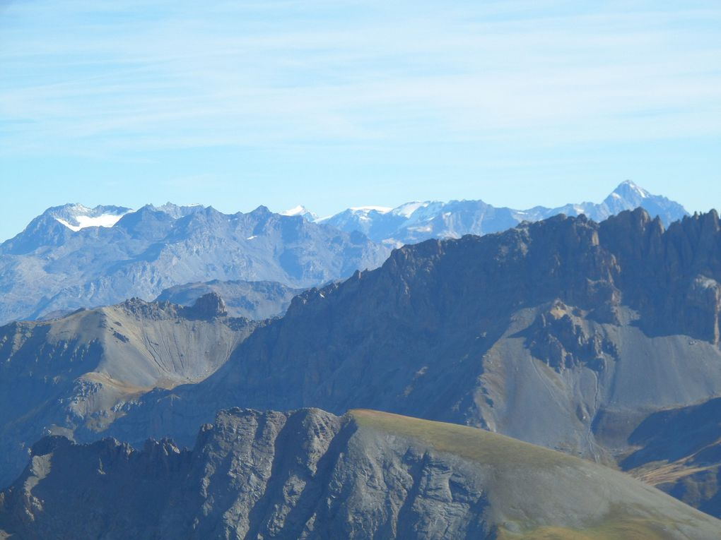 départ de la route du Galibier (2420m) et montée au Pic Blanc du Galibier (2955m) !! superbe vue sur le Mont Blanc et sur la Barre des Ecrins !!
