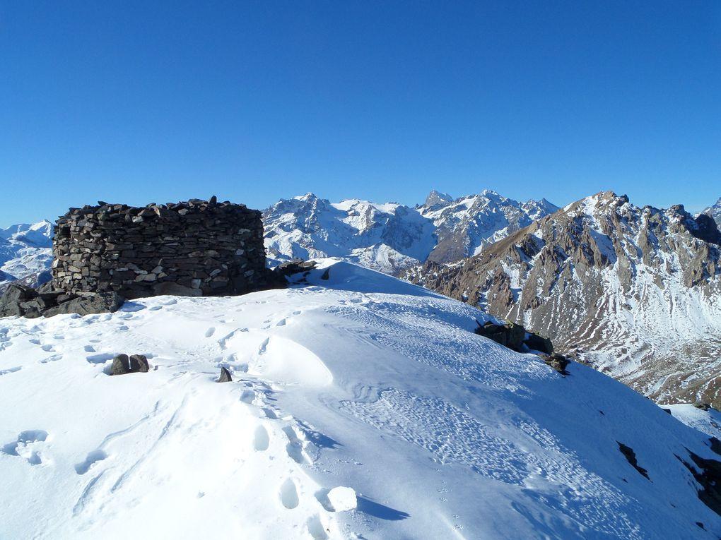 départ de la route du Granon (2250m) et montée au sommet de la Gardiiole (2753m) !! des conditions de début d'été !! on va avoir des surprises cet hiver !!