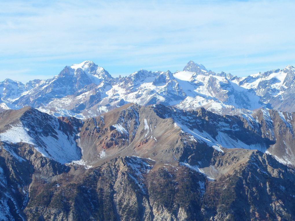départ de Montgenèvre (1900m) et montée à la table d'orientation et au belvédère du Chalvet (2600m) !! derniers jours avant la neige !!