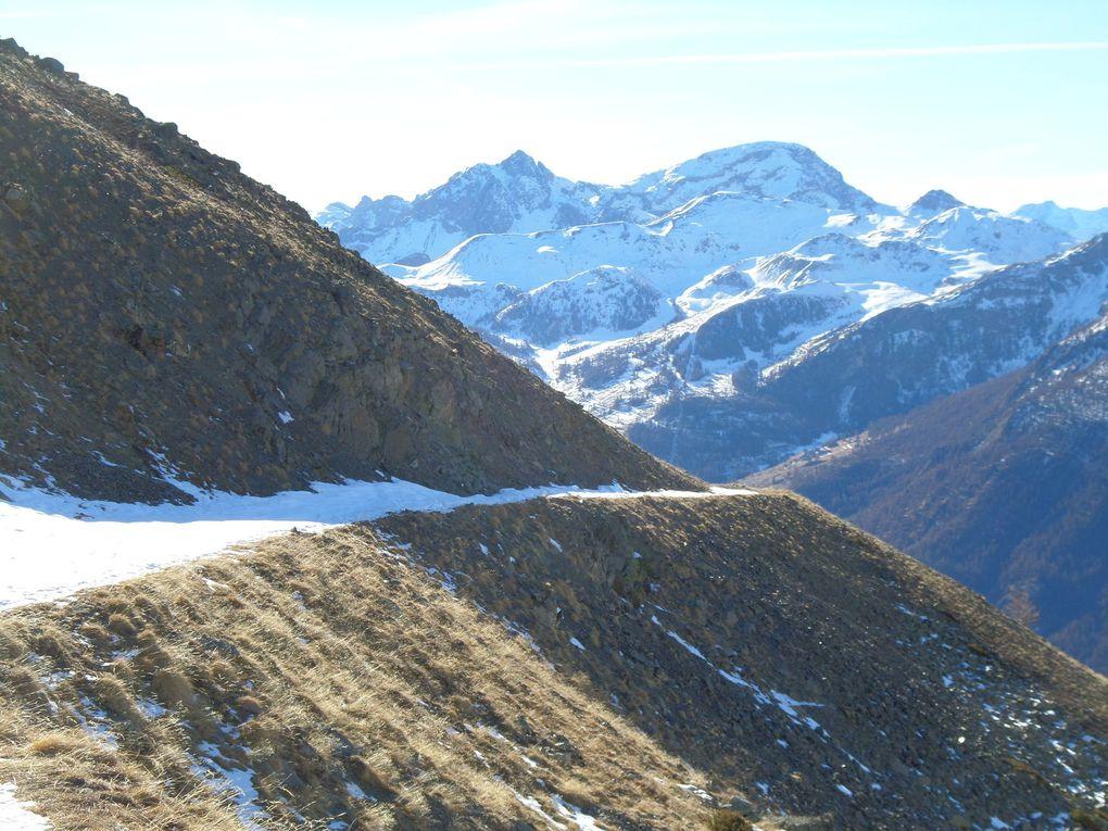 départ de St Joseph (2170m) et montée par le chemin en balcon jusqu'au Col Buffère (2427m) !! vivement la neige pour le faire à ski de fond !!