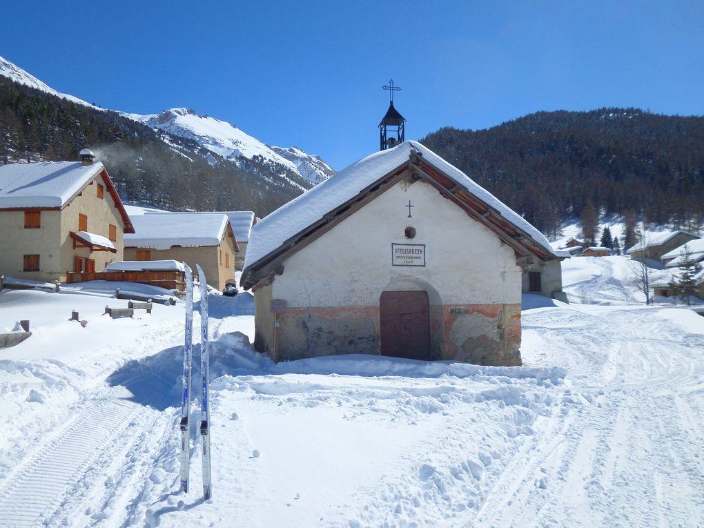 départ de Villar St Pancrace (1300m) et montée à ski de fond (avec 1/2 peaux) jusqu'aux Chalets des Ayes (1715m) ! un voyage dans la montagne d'autrefois !