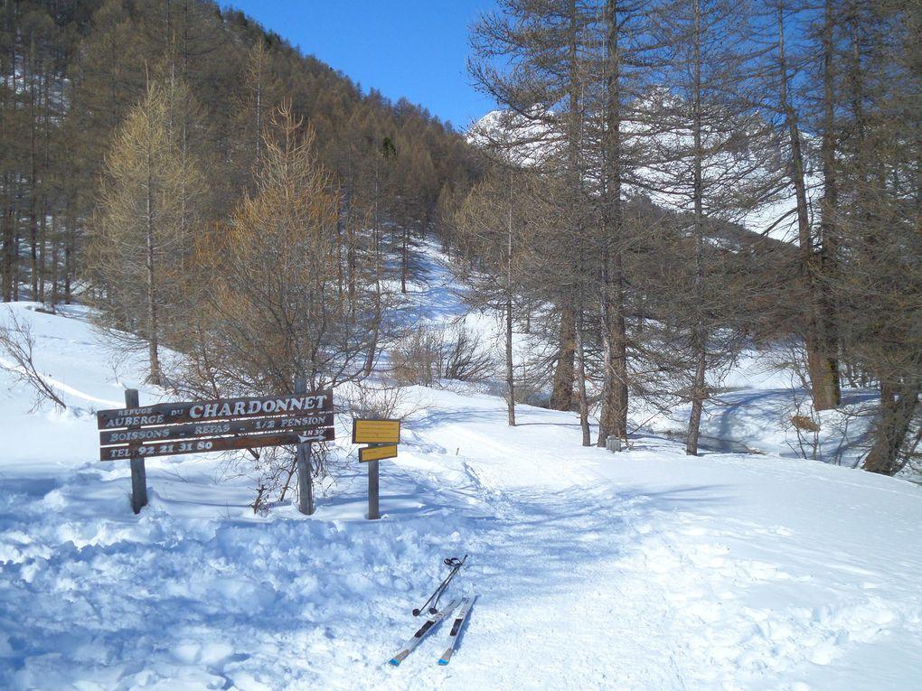 départ de Névache (1600m) et montée à ski de fond (avec 1/2 peaux) au refuge du Chardonnet (2220m) ! une superbe journée !