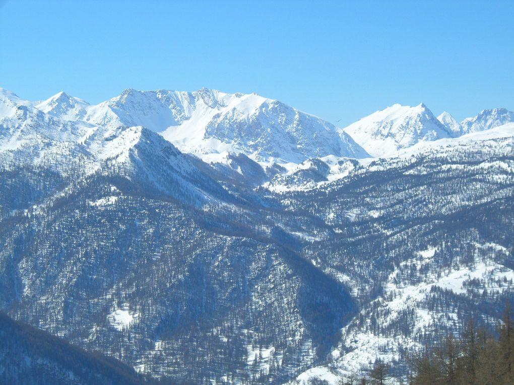 départ de Sestrière (2035m) et montée à ski de fond jusqu'au Belvédère du Montée Rotta (2120m) ! splendide !
