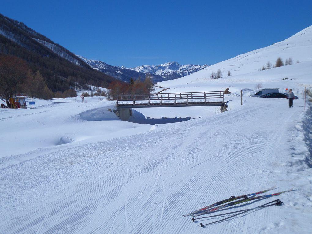 départ du Pont de Lariane (2040m) et montée à ski de fond (avec 1/3 de peaux) jusqu'au refuge Agnel (2580m) , puis jusqu'au Col Agnel (2744m) ! excellentes conditions !