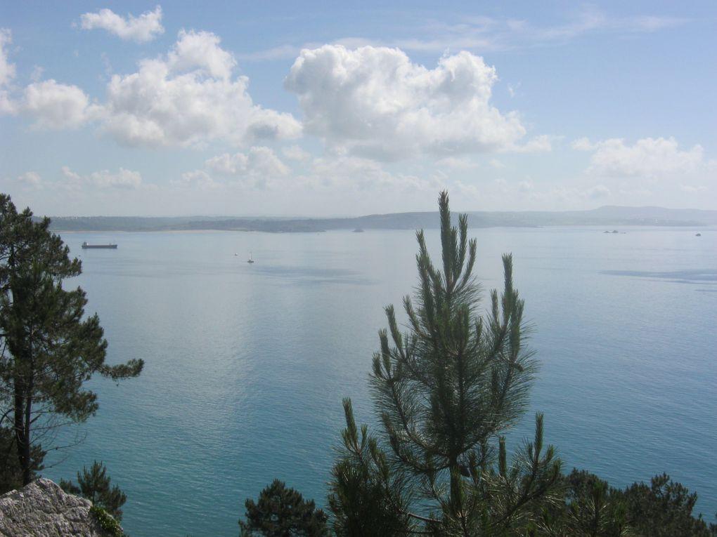 On contourne la Pointe de Saint-Hernot