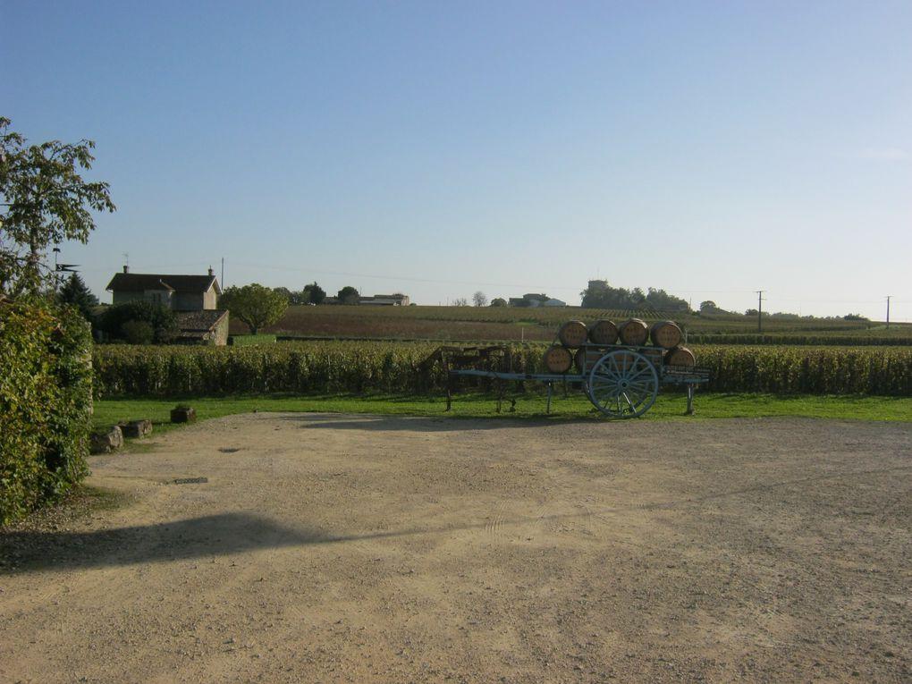 des sculptures un peu partout, dans le hameau et dans le château