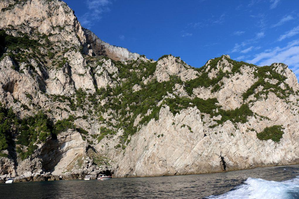 Sur la &quot&#x3B;côte Sud&quot&#x3B; de l'île de Capri