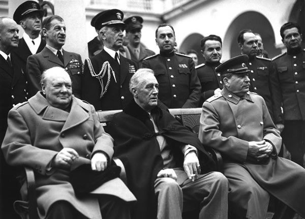 La Conférence de Yalta Winston Churchill, Franklin Roosevelt et Staline