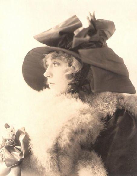Davies Marion