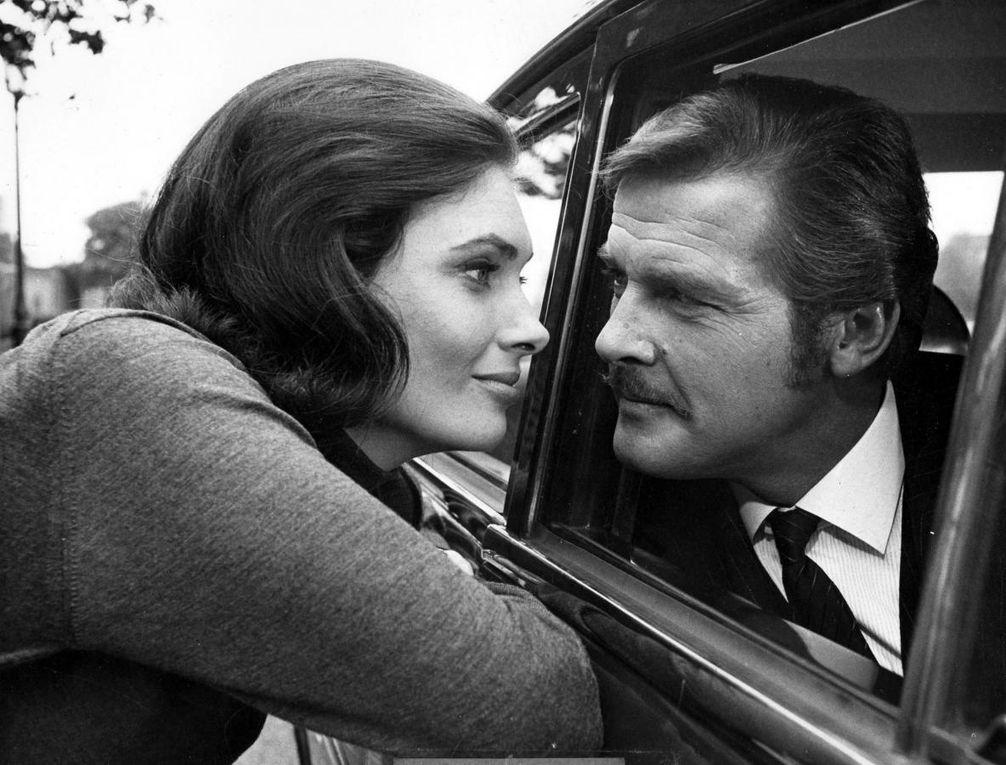 Décès de Roger Moore : «Le Saint», «Amicalement vôtre», «James Bond»... Retour sur sa carrière en images