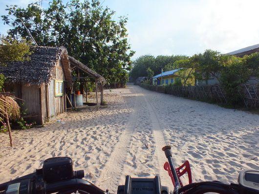 1488) Nosy Boraha ou île St Marie…