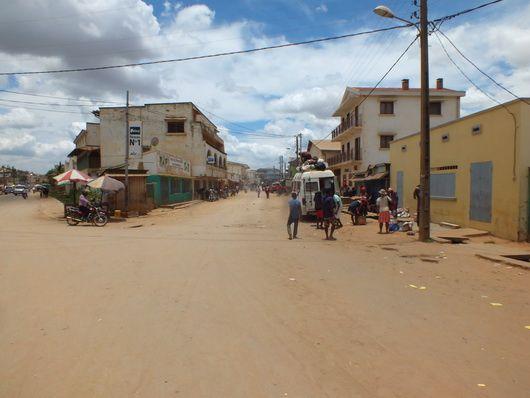 1489) Moramanga, Ambadondrazaka...