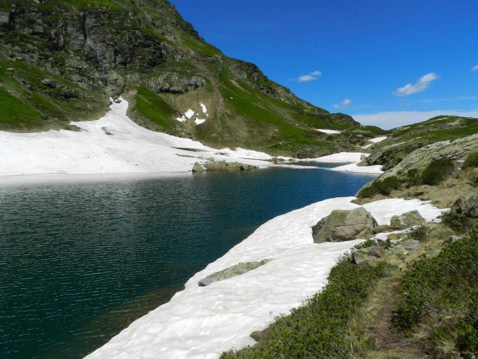 L'etang bleu 1804 m dénivelé de la rando 80 m pour 2 h 45 de temps d'approche. La truite fario est répertorié sur ce lac