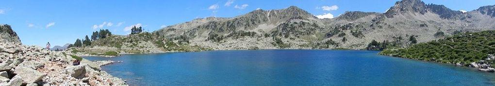 le lac dets coubous,de tracens,de nére,blanc. Une rando pas facile mais qui vous feront découvrir des paysages fantastiques, ne pas manquer le lac blanc qui n'est lui qu'a 1 h 55 en partant du célèbre tourmalet. Pour la grande randonnée on prendra le lac de Dets comme premier point de bivouac ou pas si on veut le faire dans le sens inverse