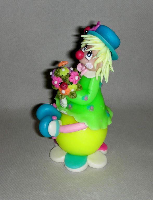 Clown fillette fluo en porcelaine froide