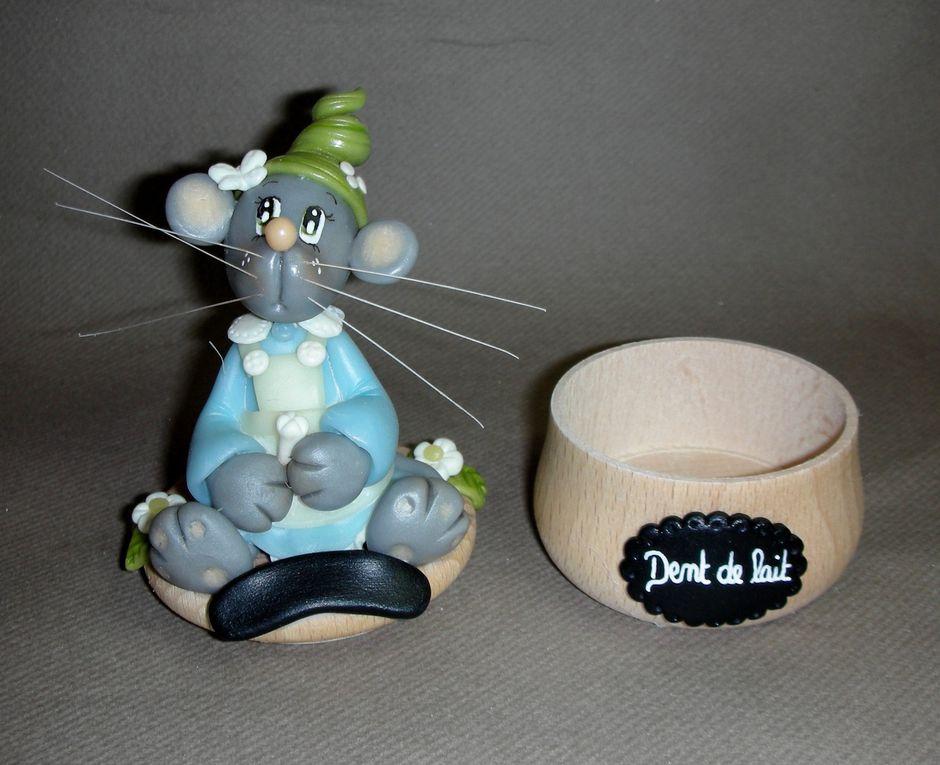 Boites à dents avec p'tite souris en porcelaine froide