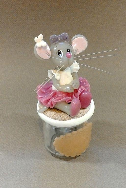 Pot à dragée avec p'tite souris ballerine en porcelaine froide