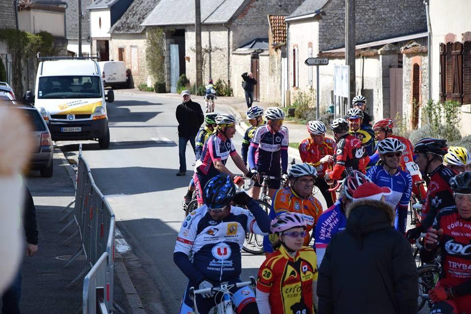 Nouvel album photos des courses UFOLEP 3 et GS de Berchères Les Pierres (28)