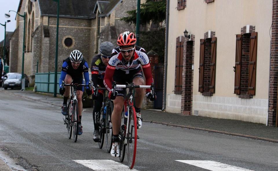 Album photos des courses UFOLEP 1 et 2 d'Orgères en Beauce (28)