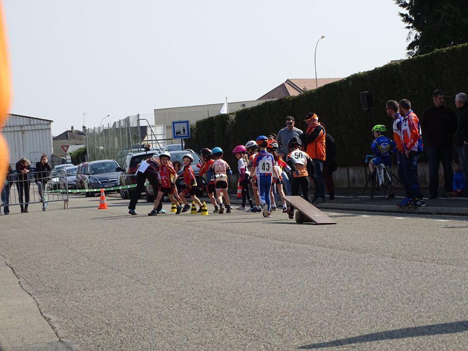 Album photos de la réunion école de cycilsme de Lèves avec 3 victoires pour le Dreux CC