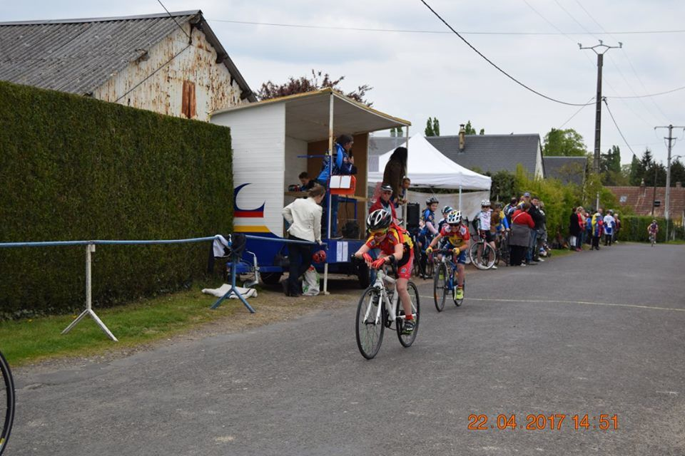 Album photos des courses de La Guéroulde (27) du 22 avril 2017