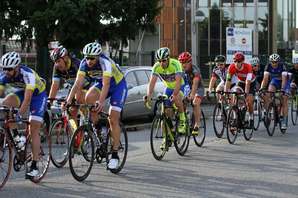 Les résultats et les photos des courses UFOLEP du Perray en Yvelines (78)