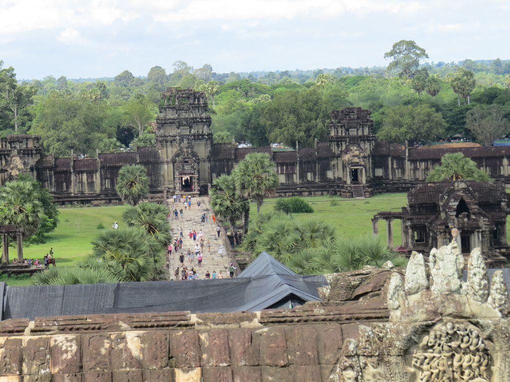 Voyage à Angkor....... 2ème journée, le grand temple d'Angkor Wat et le temple de Kravan.