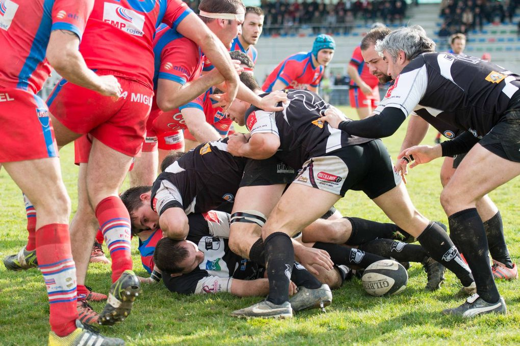 Rugby Fédérale 3 : Tournon largement battu à Mugron